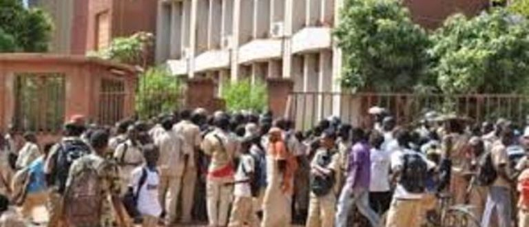 Article : Lycées et collèges du Burkina Faso : quand la grève devient une (sale) habitude !