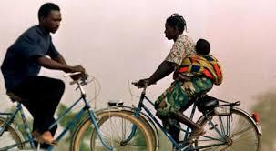 Photo Slatesafrique.com Le vélo est adapté pour tout le monde.